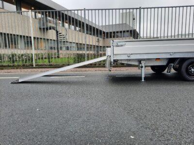 Hapert plateauwagen 3 asser veluw putten nieuw aanhangwagen